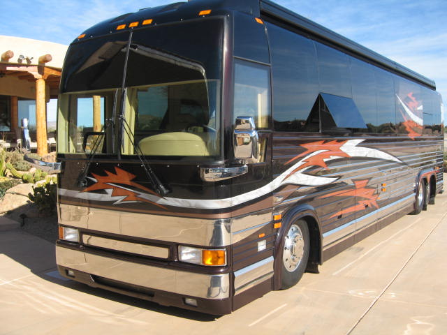Different Types of RVs - There are so many different RV types and they're called different names all over the world! Which makes it a little tricky for those of us not in the US (i.e. NZ! :-)) This article lists out all the different variations. First up, here's what's known as a Class A.