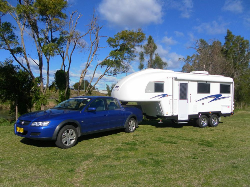Travelhome Macquarie 23ft Fifth Wheel exterior view