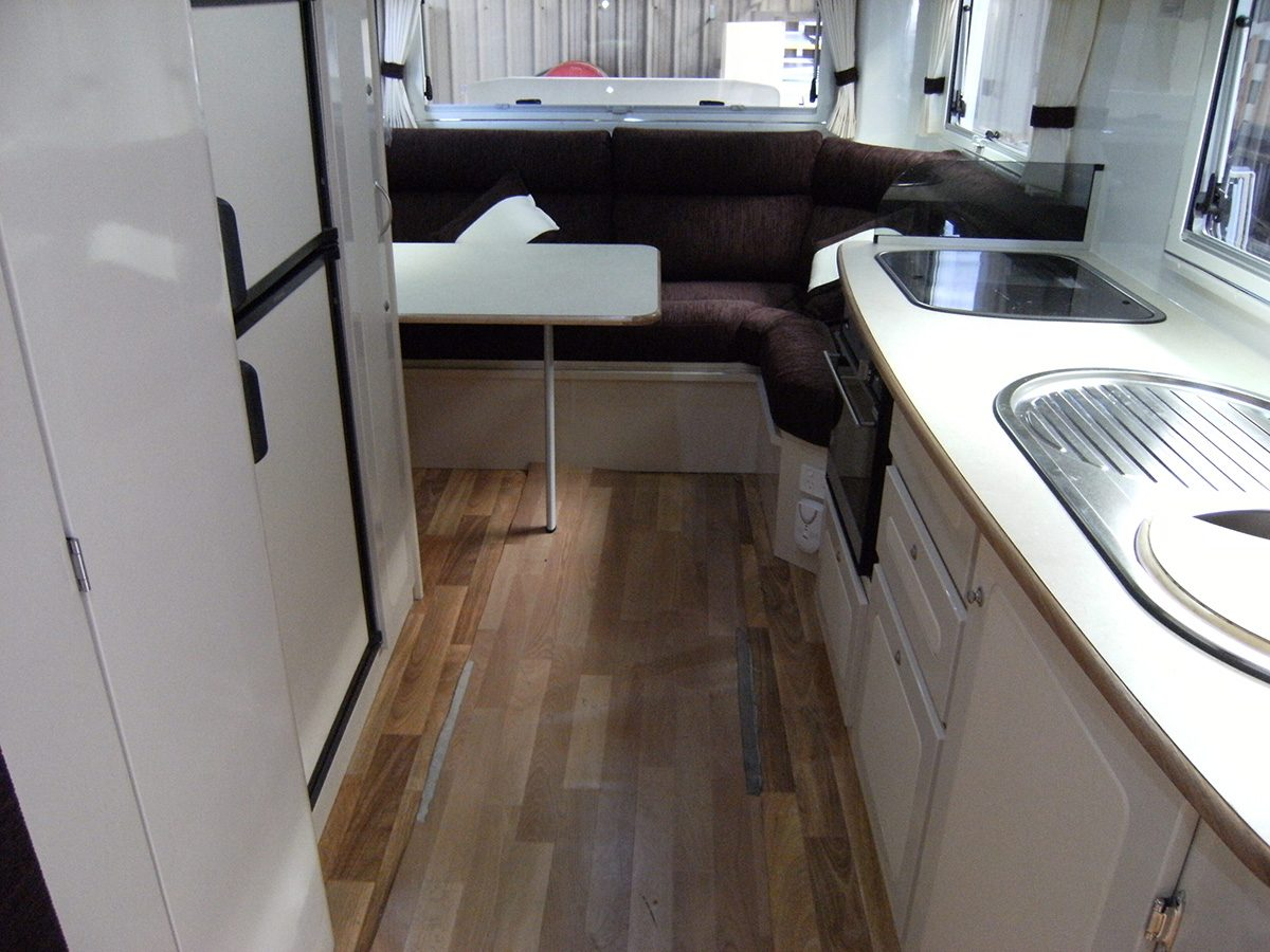 Travelhome Macquarie 23ft Fifth Wheel interior rear