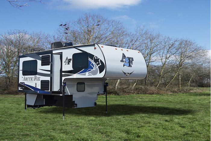 Arctic Fox 811 truck camper exterior photo