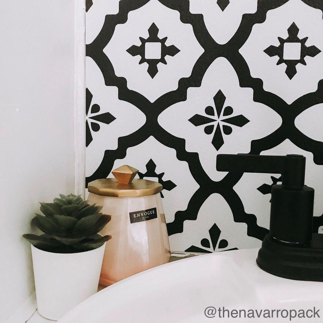 Black and white backsplash